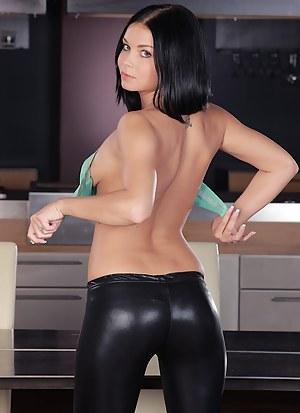 Victoria Blaze masturbates on the dining room table.