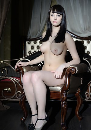 A real artistic nude modeling picture collection that reveals how serious models can be when art is combined with sensuality.