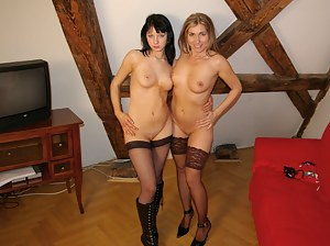 Hot looking mature chick loves that teenie pussy