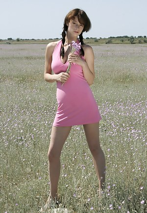 Beauty teen girl appears on the field in order to bring you on cloud seven with her nice show off.